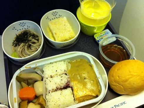 【世界の機内食】香港国際空港~羽田空港(キャセイパシフィック航空 CPA)