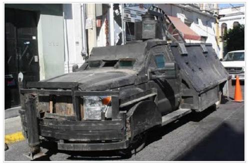 メキシコの麻薬密売組織から押収された改造車が凶悪すぎてヤバい / 完全に『北斗の拳』レベル
