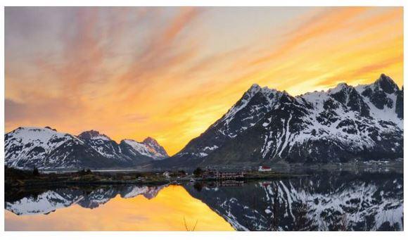 地球はこんなにも美しい! 鼓動する自然、そして北極の太陽の映像がスゴイ