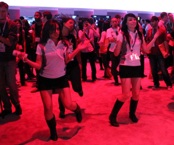 【E3現地取材】ダンスゲーム『Just Dance 3』で任天堂ギャルもセクシーに踊りまくり!
