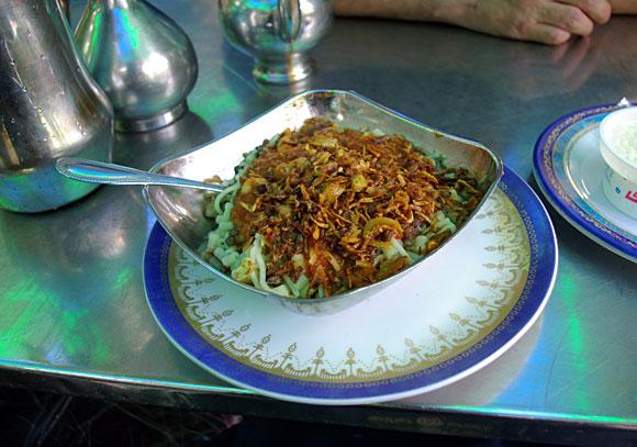 病みつきになるエジプトの庶民の味、それが「コシャリ」