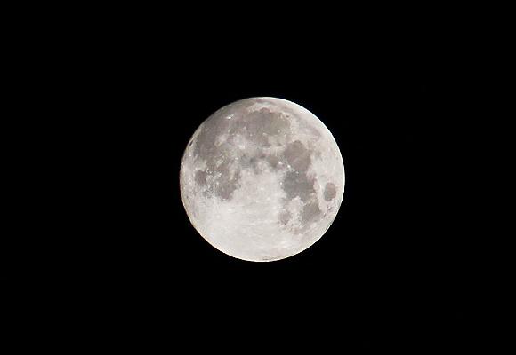 【ムーン速報】今夜は満月です / 最近、月がメチャ明るい