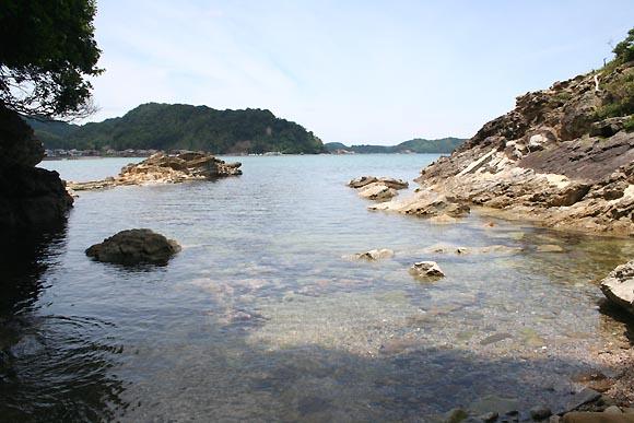 海へ行くなら、その土地に詳しい人と友だちになろう / 誰も知らない穴場を知ってるはず