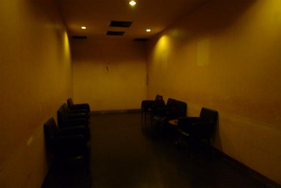 【闇の大人たち】第43回:喫煙者に捧ぐ 世界一殺風景な喫煙室