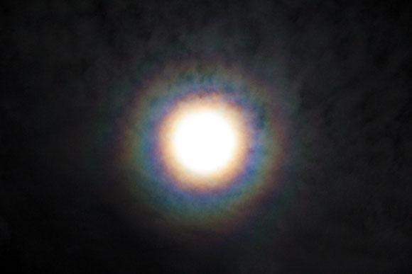 【夜空速報】月がメチャクチャ明るい / 明日は中秋の名月です
