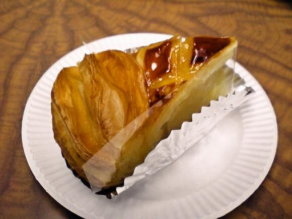 やっぱりめちゃウマ! 幻のカルピスバターを使ったアップルパイが絶品なお店