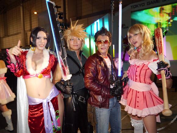 【TGS2011】コスプレファッションショー & ダンスパーティーが大盛り上がりですごかった!