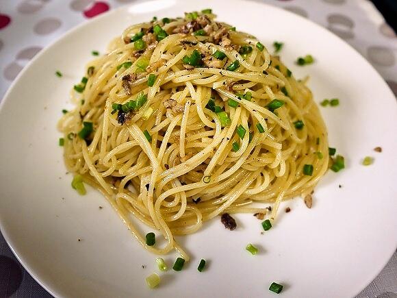 【10月25日はパスタの日】超簡単なのに本格的!カリカリオイルサーディンのパスタレシピ