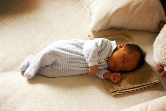 母乳で育てた赤ちゃんは将来太りにくくなるらしい
