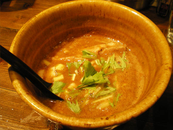 寒い季節に! 「二代目えん寺」のベジポタ系つけ麺の濃厚スープがはふはふで美味しいナリ