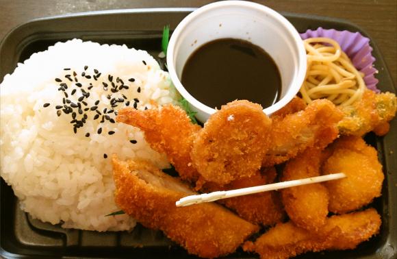 【大阪名物】ソース二度づけしても怒られへんで! 近畿ローソン限定・串かつ老舗「だるま」の弁当を食べてみた