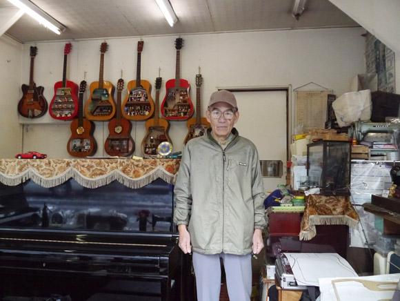 ミニチュア模型暦40年! ギターをドールハウスに再生する山本さんのこだわり