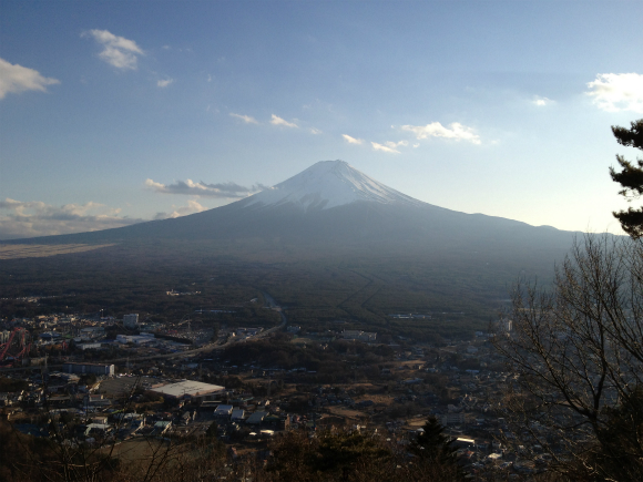 カチカチ山に登ったら富士山がデカデカと一望できて感動した件
