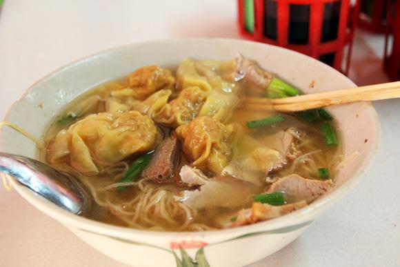 日本ラーメン事情にやたら詳しいタイ人が教えてくれたバンコク版ラーメン二郎こと「労働者中華麺」を食べてみた!