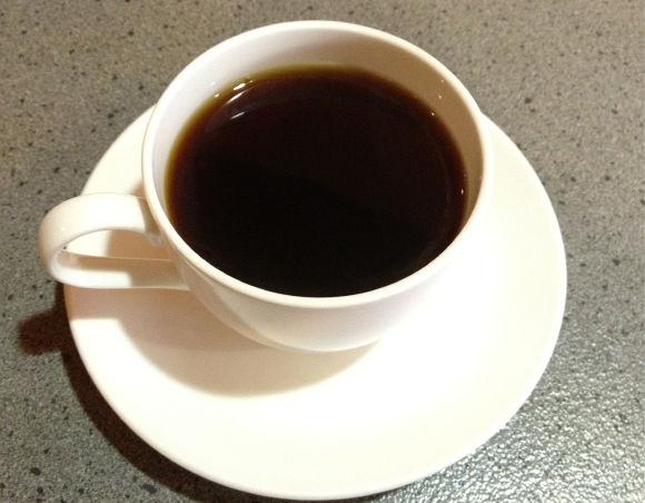 メイドがご主人様のコーヒーに生理の血を混ぜて出す→告発される