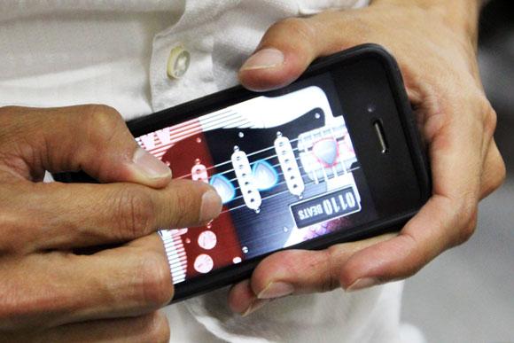 【iPhoneアプリ】あの超本格的リズムギターゲーム『MIWA ROCK!!』が大幅パワーアップ / 対戦機能の追加、Android版の登場も!