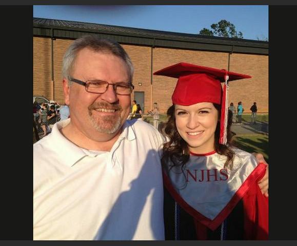 最高の卒業祝い! 父親が娘のために13年間かけて準備した特別な贈り物とは?