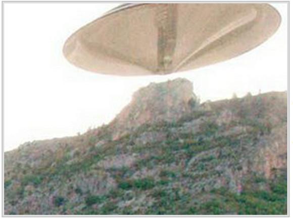 【UFO速報】トルコで激写された超巨大な衝撃UFO写真