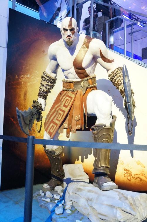 【E3画像集】巨大フィギュアや有名人など各ゲーム会社が商品アピールのために準備したものがスゴすぎる!