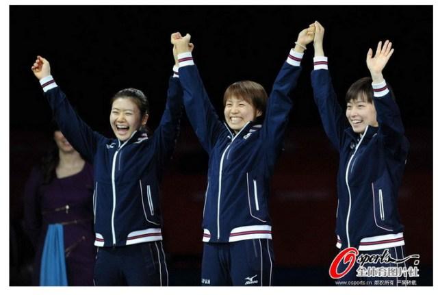 【ロンドン五輪】卓球女子決勝・日本VS中国で中国人も日本チームを応援 / 中国人「日本にも中国にも拍手を送りたい」