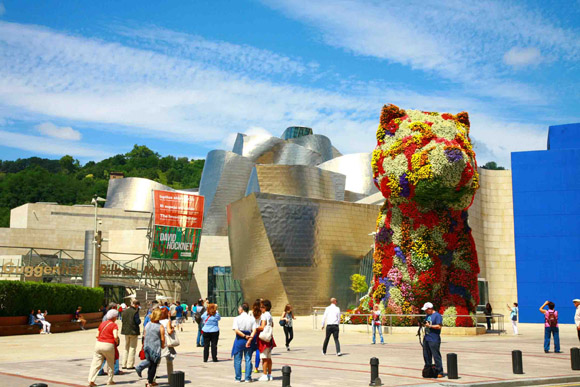 【スペイン】芸術と美食の街「ビルバオ」は日本人なら一度行った方がいい! 熱烈に歓迎されてバルでご馳走にありつけるかもッ!!