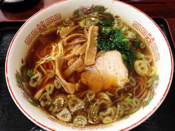 おそばよりラーメンの方が有名な日本蕎麦屋『四谷更科』に行ったらマジでお客さん全員ラーメン注文してて笑った / しかもラーメン美味くて今度は泣けた