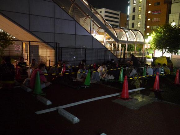 【ドコモ】ジョジョスマホいよいよ予約開始! 聖地の仙台市駅前にもすでに長蛇の列ッ!!