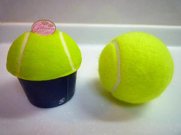 どこからどう見ても「テニスボール」にしか見えない! 東京・本郷『NIKKI Cafe』のケーキがスゴイッ!!