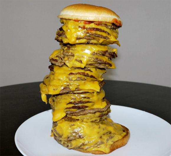 ロッテリアの「タワーチーズバーガー」がかえってくるーーーッ! 今度はエビバーガーもあるよッ!!