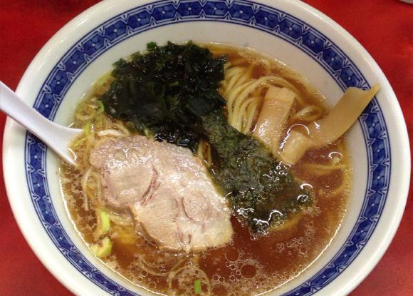 東京・神田でコスパ最強のラーメン屋といえばココ! 学生とサラリーマンに愛され続ける『らーめん ほん田』