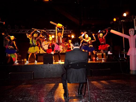 ヤフオクで落札された「ヘビメタアイドル」のライブが客ひとりで会場シュールすぎッ! でも心温まるステージでちょっと泣けた