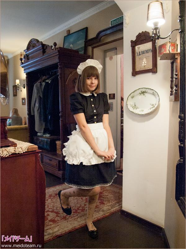 ロシアのメイド喫茶「メイドチーム」のメイドが清純可愛い! はにかんだ姿にも萌えキュンなのだ