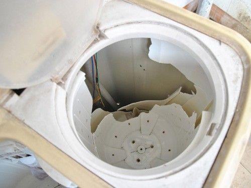 【中国】ダウンジャケットを洗ったら洗濯機が爆発