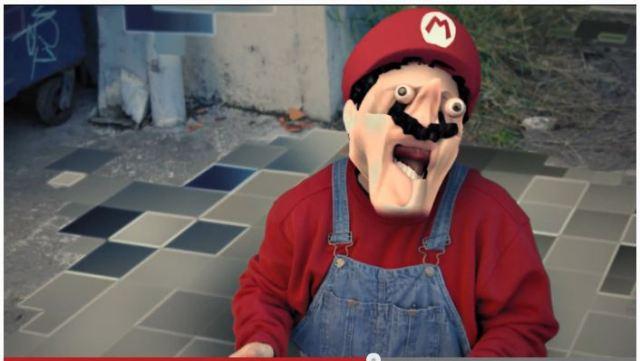 【秀逸動画】ギャーー! マリオの顔がーーッ!! バグったゲームの中ではこんな恐ろしいことが起こっています