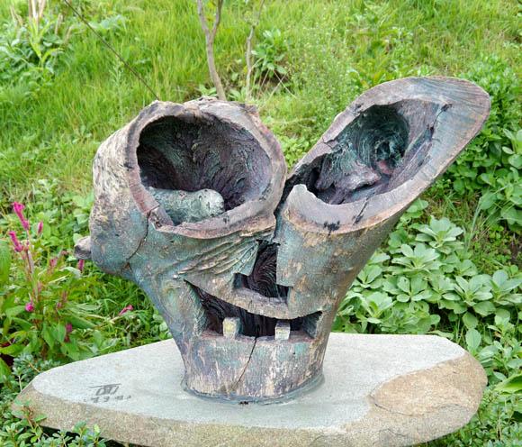【韓国旅日記 ウルルンド編その3】ウルルンド唯一の文化芸術空間にある「木像」がめっちゃ怖いッ!! 子どもが見たらトラウマになりそうなレベル