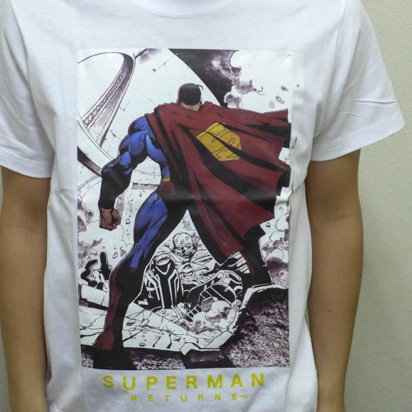 【これは欲しい】キャンペーンでもらえる『スーパーマン』のTシャツがアメリカンクールでめちゃシビれる!