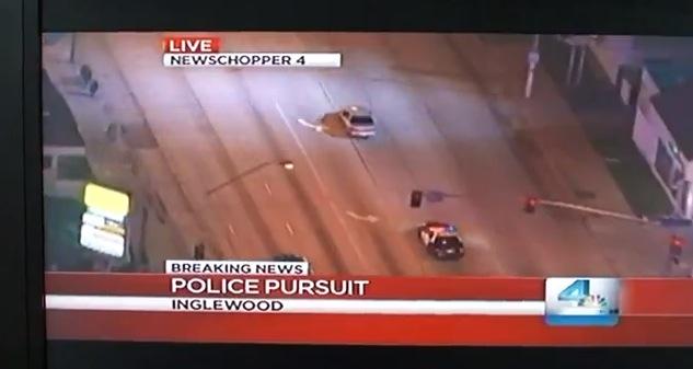 【衝撃動画】テレビで逃走車とパトカーのカーチェイス中継を見てたらスゲエことが起きた! っていう動画がスゴイ!!
