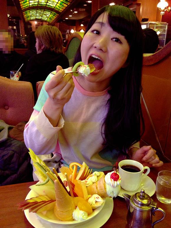 【新宿グルメ】てめぇこの野郎! 俺はパフェが食いてぇーんだよ! という男子必見の喫茶店 / 珈琲西武