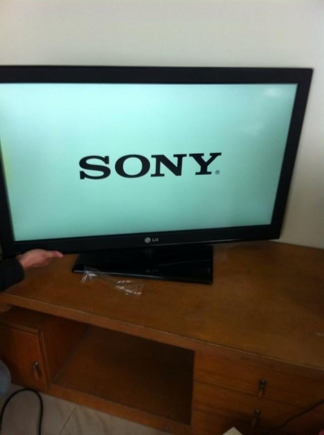 新しく買った韓国ブランドのテレビをつけたら中身はSONYだったでござる / ネットの声「逆にもうかったな(笑)」