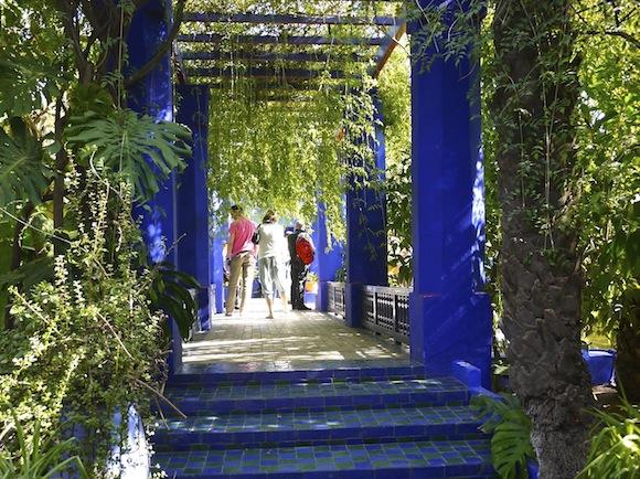 【モロッコ】イヴ・サンローランが愛した「マジョレル庭園」が息をのむほど美しい