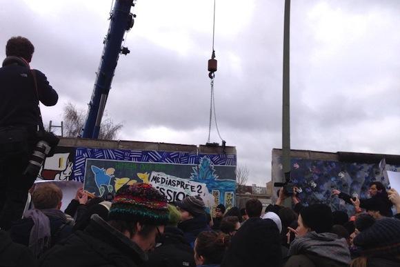 【現地取材】「過去を消し去るな!」ベルリンの壁の一部取り壊し計画に市民が猛反発!