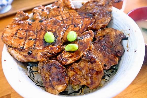 マジかよ沖縄なのに北海道料理が絶品の店『とけい台食堂』 豚丼が帯広で食べるより数倍美味くて笑った