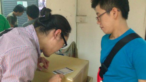 【リアルほんやくコンニャク】バンコクでタイ人ゲーマーと相互翻訳スマホサービス「はなして翻訳」で会話してみた!