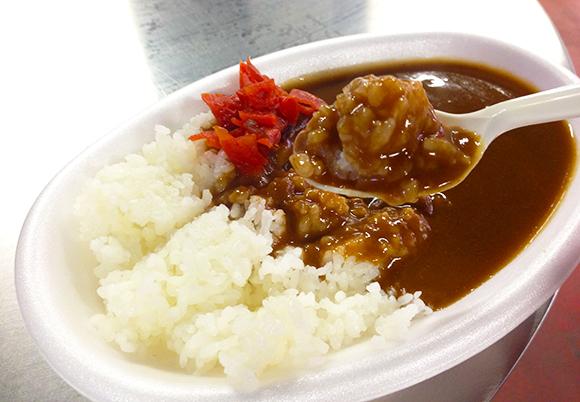 【球場メシ】神宮球場のカレーライスが美味すぎて応援してる場合じゃなかった