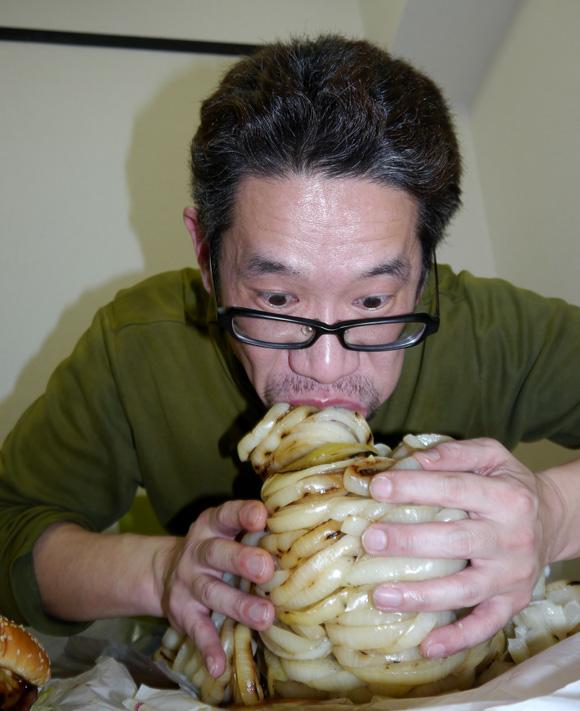 【挑戦】バーガーキングのハンバーガーにタマネギ100枚はさんで食べてみた / 爆オニ