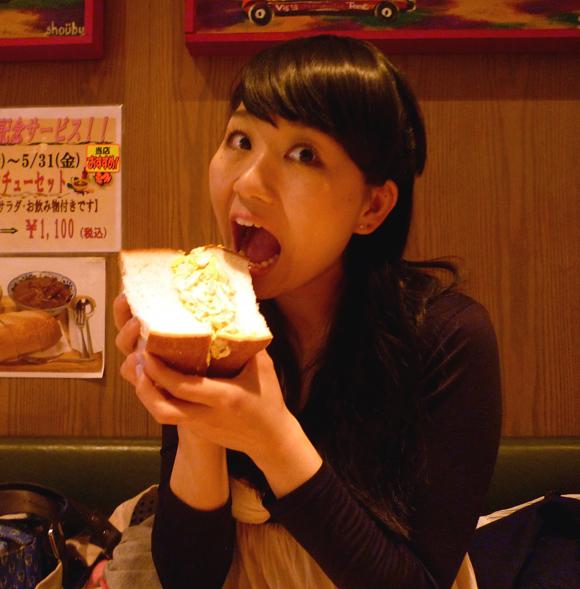 【グルメ】アメリカンサイズの分厚すぎるサンドイッチに衝撃! 東京・東銀座「アメリカン」