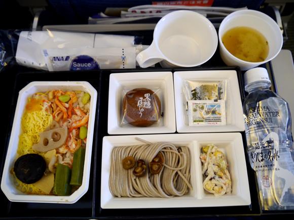 【世界の機内食】成田空港~バンコク・スワンナプーム国際空港(全日空 ANA)
