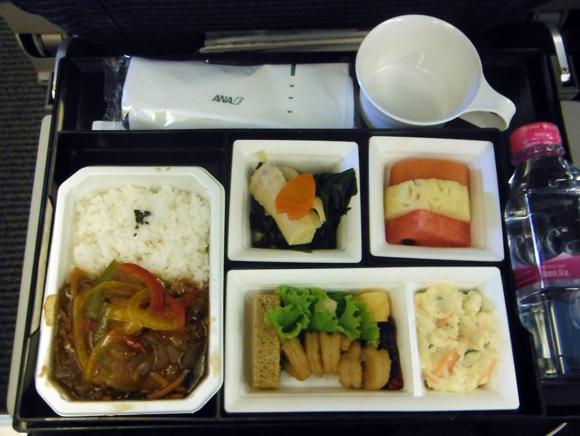 【世界の機内食】バンコク・スワンナプーム国際空港~成田空港(全日空 ANA)