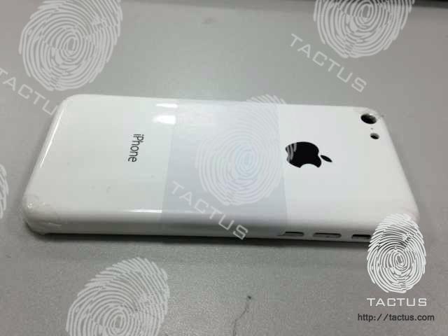 廉価版iPhoneらしき画像が流出! 本体はポリカーボネイト製で価格は3万円前後か