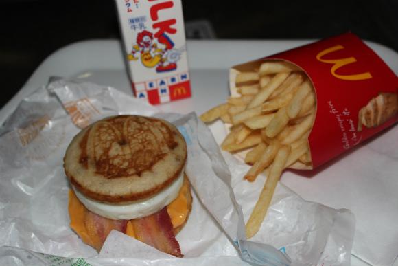 真夜中に朝マックを食べてみた